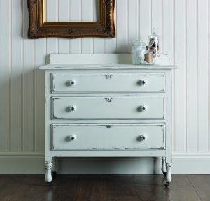 antique-white-chest-of-drawers